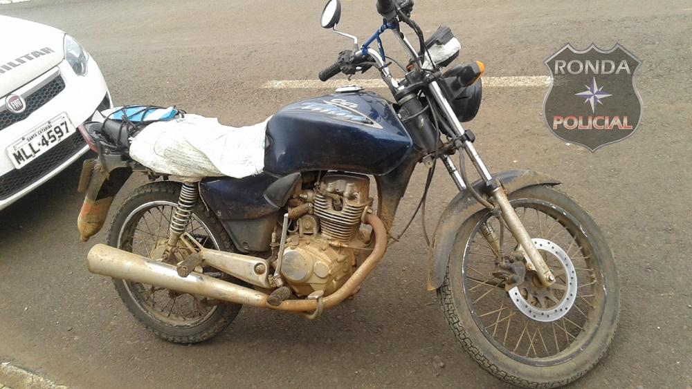 Jovem é detido como moto roubada