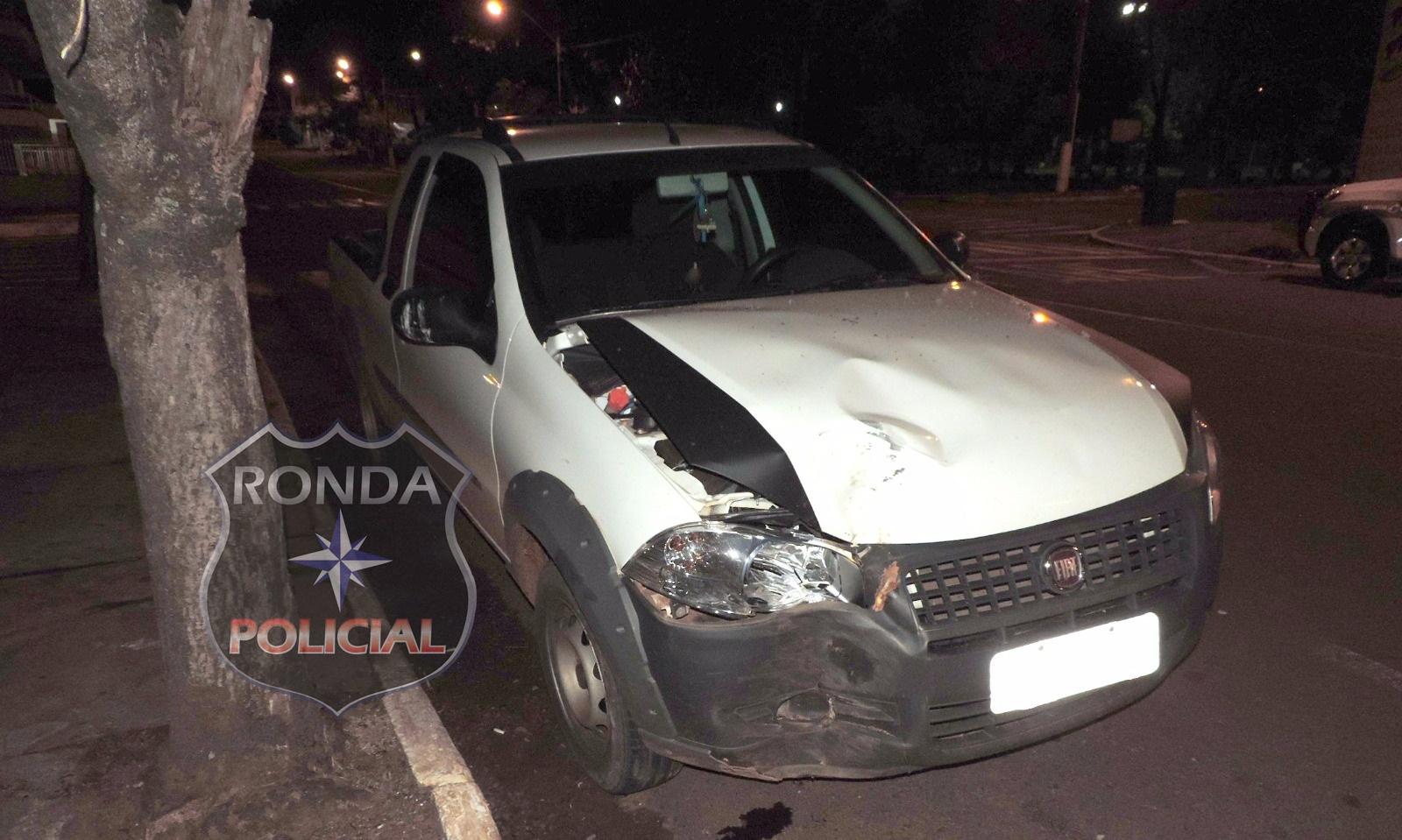 Dupla acaba presa após se envolver em acidente com carro furtado