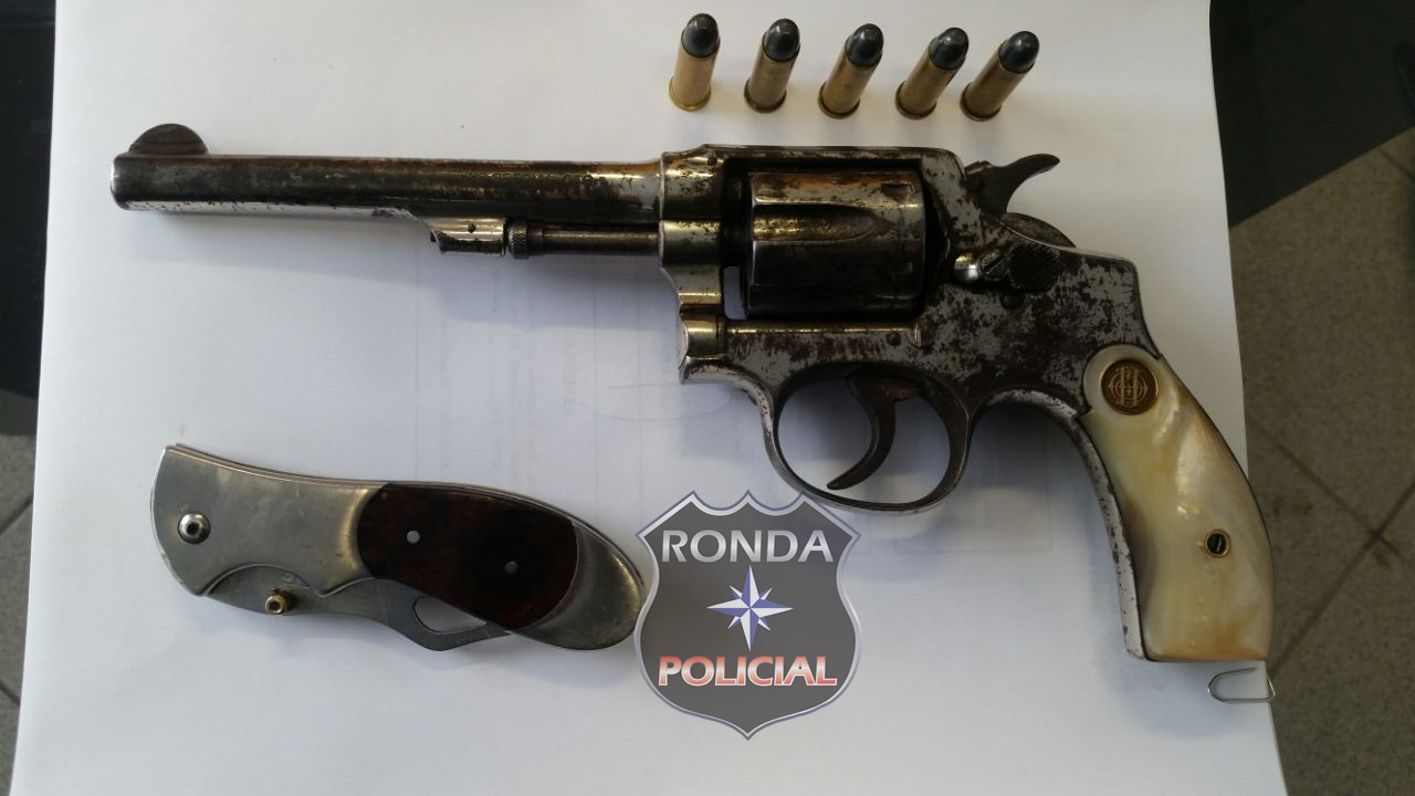 DIC prende traficante em lanchonete e apreende revólver