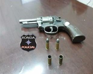 Homem é preso depois de efetuar disparos de arma de fogo no centro de Ipuaçu