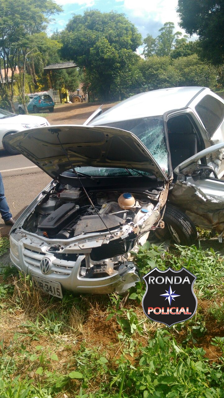 Duas pessoas ficam feridas em grave acidente na 282