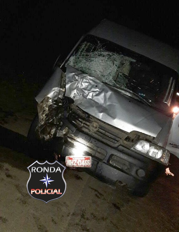 Jovem motociclista morre e mulher fica gravemente ferida em acidente na BR-282