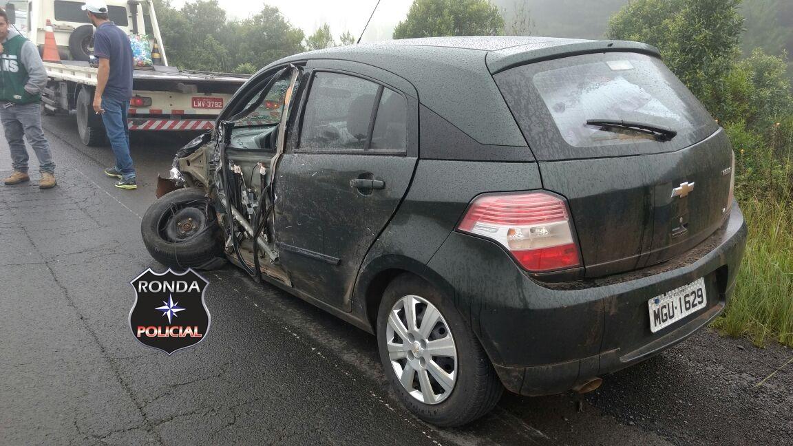 Motorista de Quilombo fica ferido ao colidir em caminhão na Serra catarinense