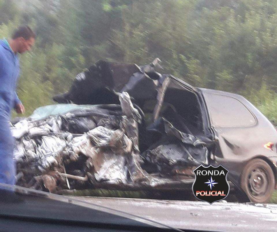 Jovem morre em violenta colisão entre carro e caminhão na 282 em Ponte Serrada