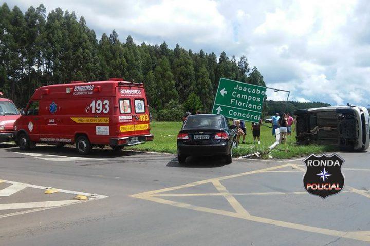 Oito pessoas ficam feridas em acidente envolvendo carro de Chapecó no trevão de Irani