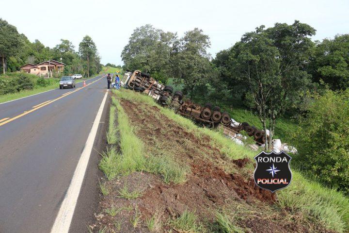 Caminhoneiro catarinense fica ferido em acidente no Sudoeste do PR