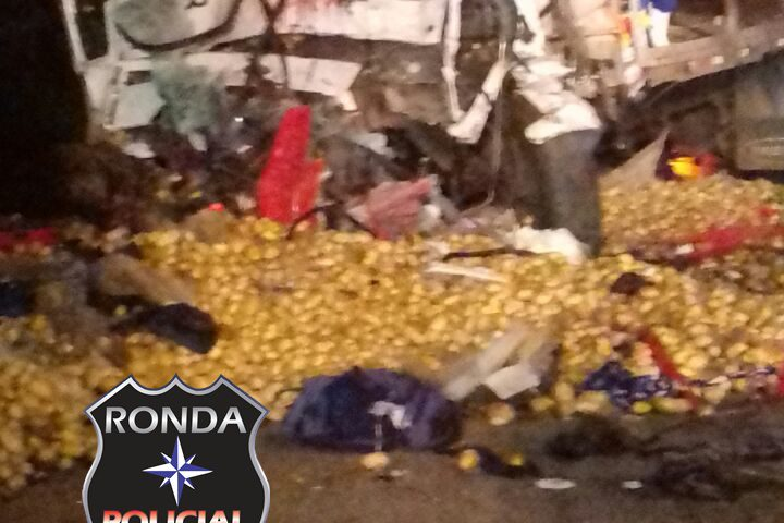 Dois caminhoneiros morrem em grave acidente durante a madrugada na 282 em Xaxim