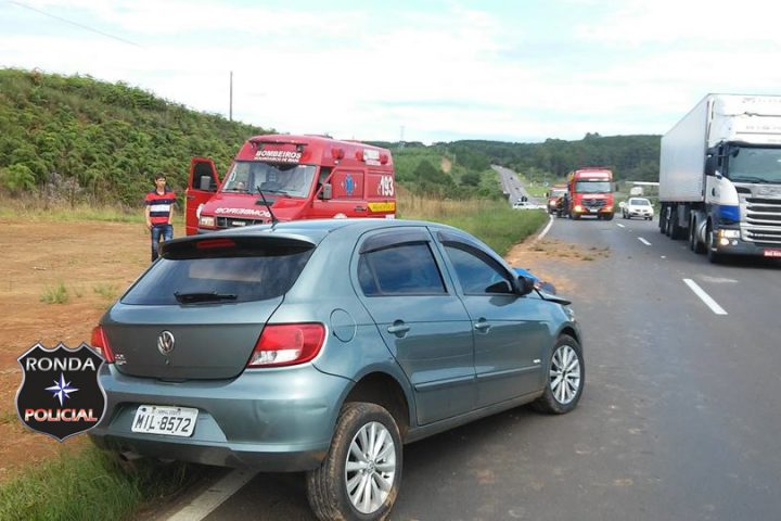 Cinco pessoas ficam feridas em acidente na 282