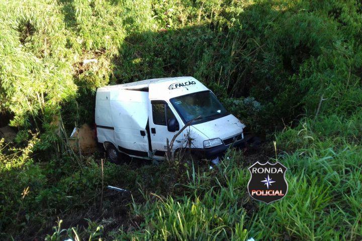 Engavetamento envolve veículos do Oeste de SC no Sudoeste do Paraná