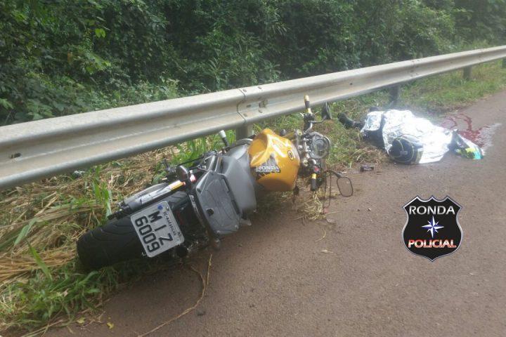 Motociclista morre em grave acidente na 282