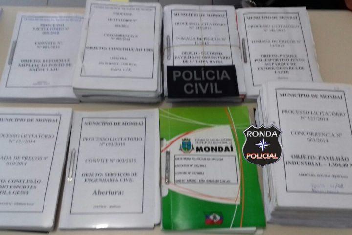 Polícia Civil cumpre mandados em empresas e órgãos públicos do Oeste