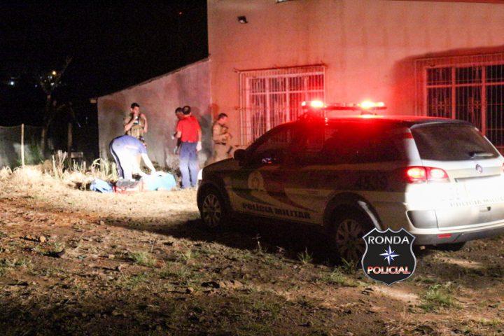 Jovem é executado a tiros durante a noite e autor sofre acidente durante fuga