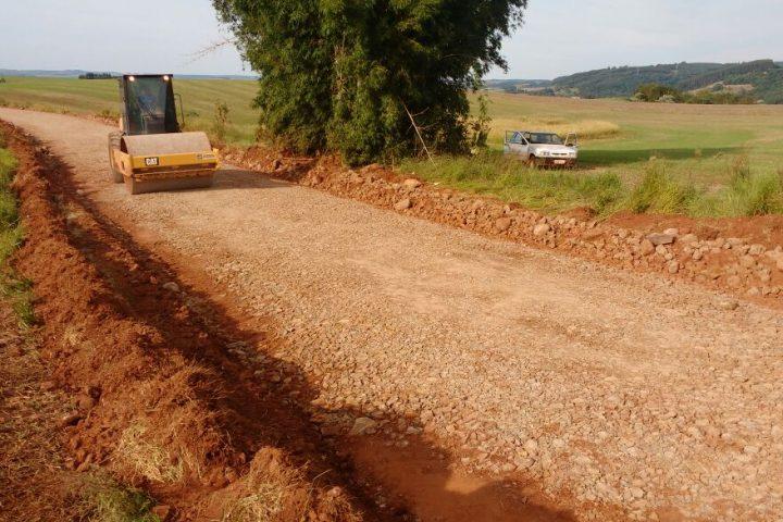 Recuperação do acesso a Baliza e Vargem Bonita é acompanhado pelo prefeito