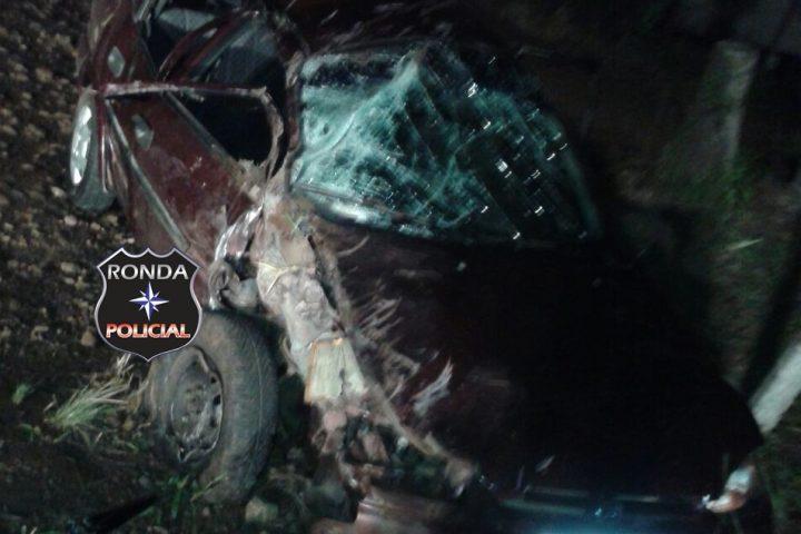 Violenta colisão entre carro e trator deixa cinco feridos na SC-155