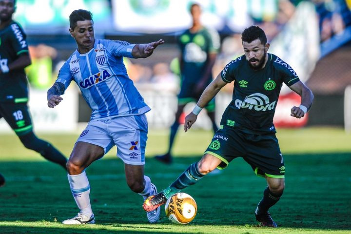 Chape realiza promoção de ingressos para partida contra o Avaí