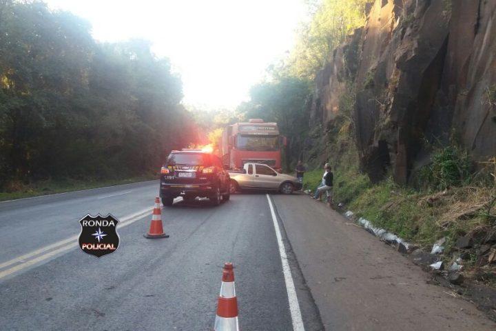 Carreta de Xanxerê se envolve em acidente na 282