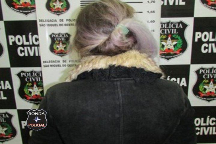 Polícia Civil prende mulher acusada por extorsão