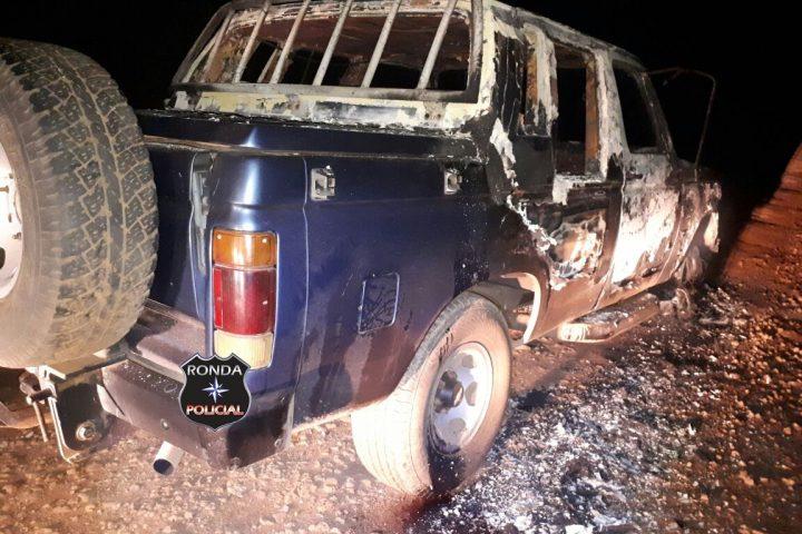 PM localiza em estrada rural veículo furtado no Paraná