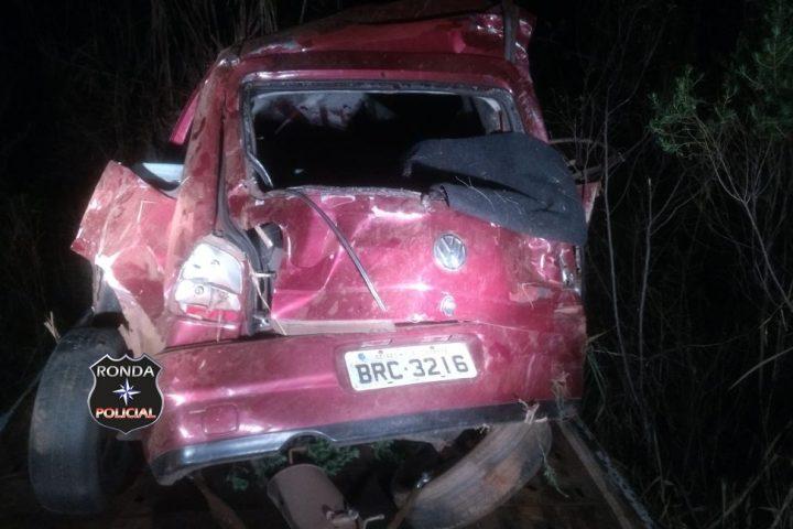 Jovens sofrem graves ferimentos em acidente na 282 durante a madrugada