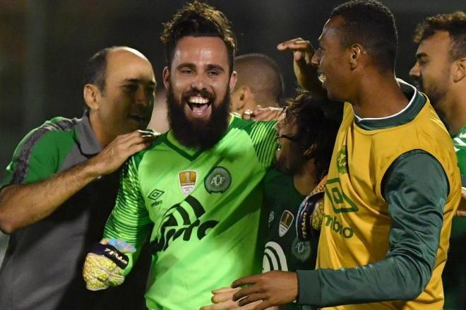 Com atuações decisivas de Túlio de Melo e Jandrei Chape garante classificação para as oitavas de final da Sul-Americana