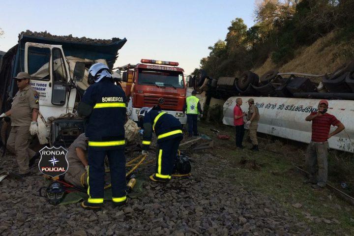 Caminhoneiro ferido em grave acidente morre no hospital