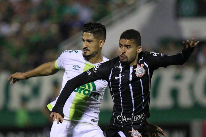 Chape perde para Corinthians com gol no fim da partida