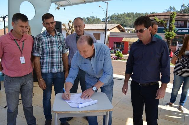 Dia de Ação Social em Marema é marcado por assinatura de contrato do Fundo de Desenvolvimento Rural