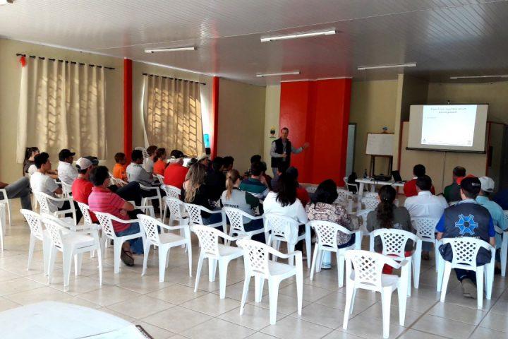 Epagri realiza capacitação para agricultores e estudantes em Ponte Serrada