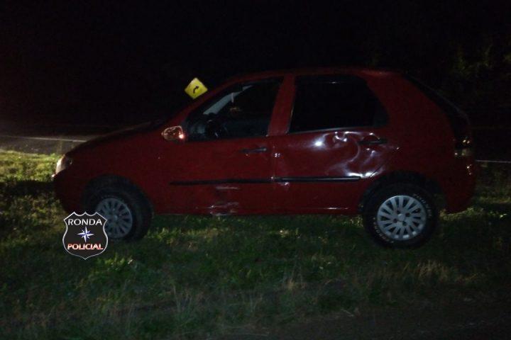 Duas pessoas ficam feridas em colisão entre carro e moto