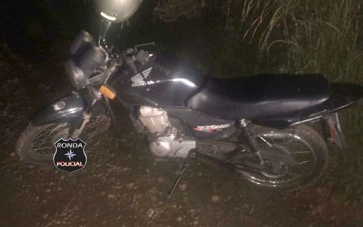 PM localiza moto abandonada em comunidade rural de Xaxim