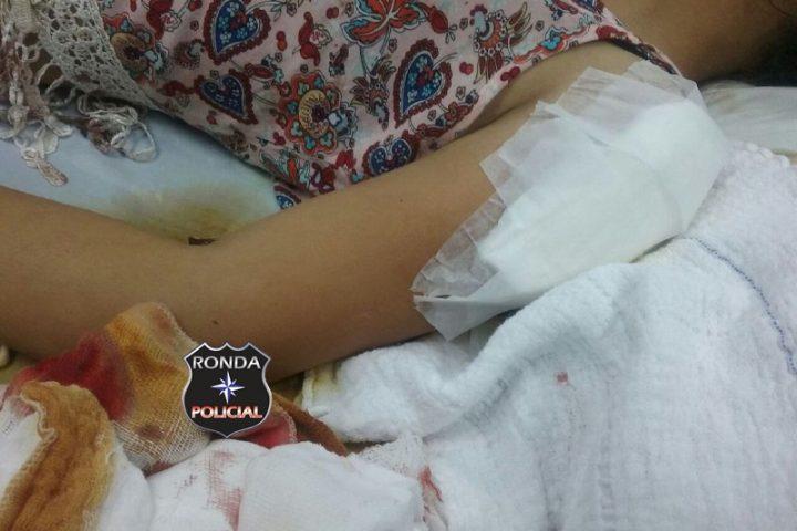 Três pessoas são agredidas a golpes de faca durante partida de futebol em Entre Rios