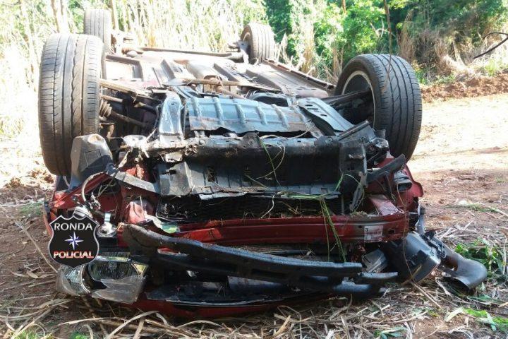 Motorista fica ferido ao capotar veículo na 282 em Xaxim