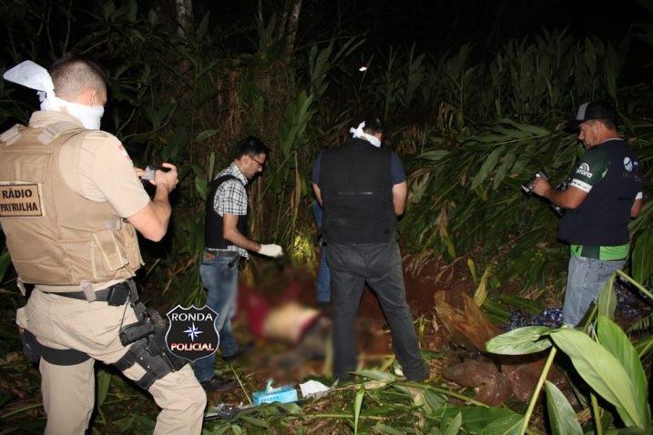 Identificado corpo de mulher encontrada morta em meio à mata