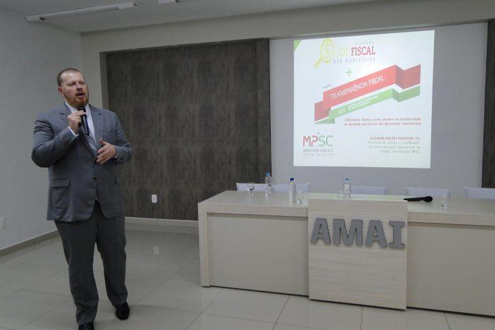 Programa Saúde Fiscal do MPSC é apresentado na AMAI