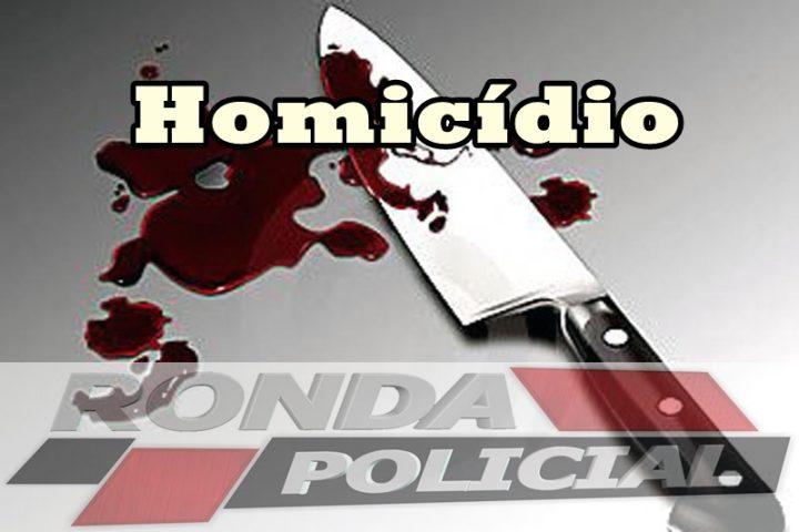Jovem é assassinada a facadas dentro da própria casa