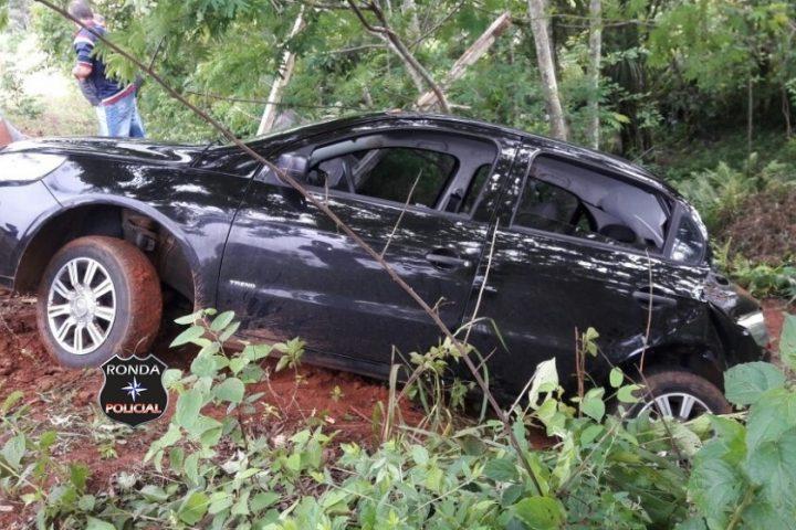 Três pessoas ficam feridas em acidente na manhã do domingo