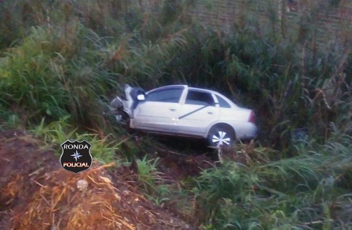 Mulher morre e outras três pessoas ficam feridas em grave acidente na BR-282