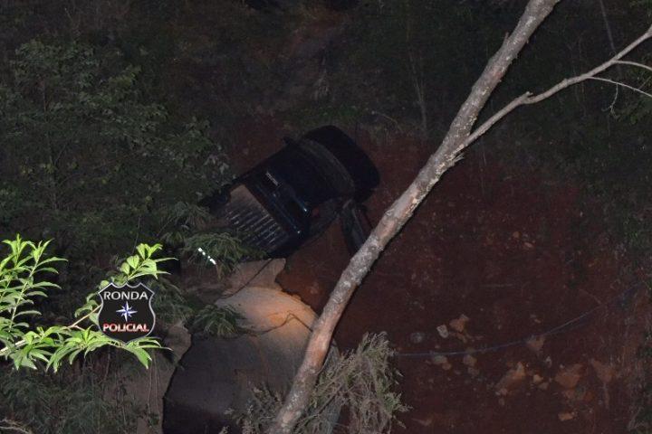 Três pessoas ficaram feridas em capotamento durante a noite