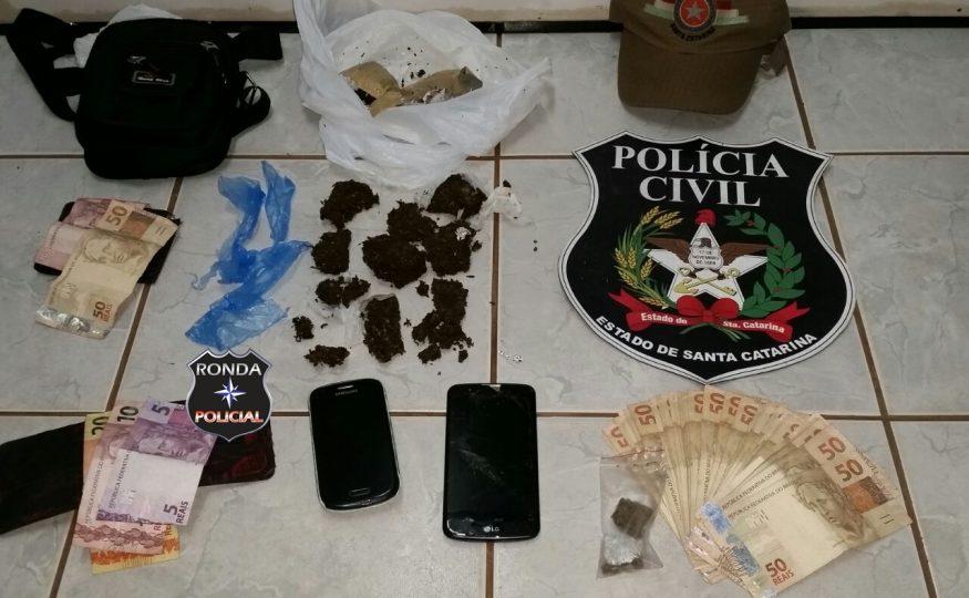 Mãe e filho são presos em flagrante por tráfico de drogas em Abelardo Luz
