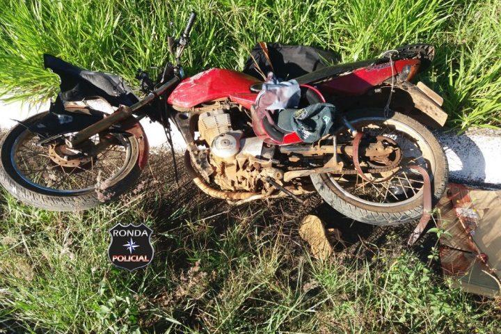 Dois motociclistas ficam feridos em violenta colisão na BR-158