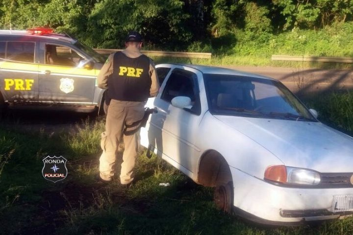PRF recupera a margem da 282 veículo furtado