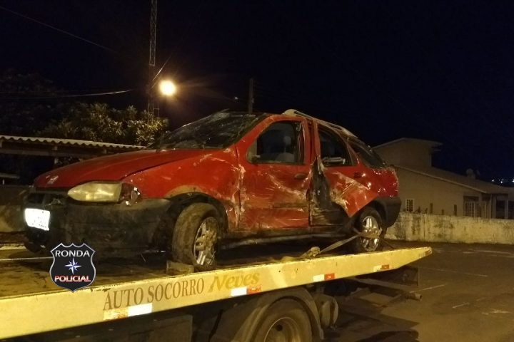 Motorista é encaminhado ao Hospital de Xanxerê depois de capotar veículo na 155 em Bom Jesus