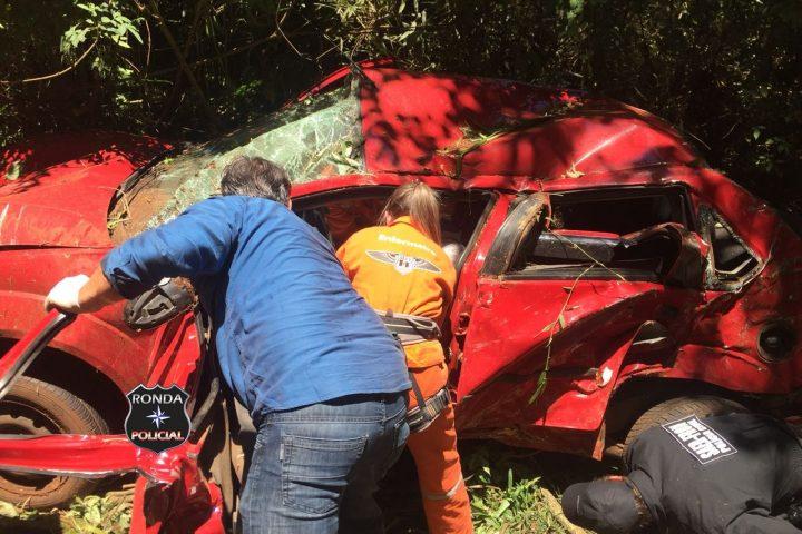 Saer e Sara são acionados para atender grave acidente na 282