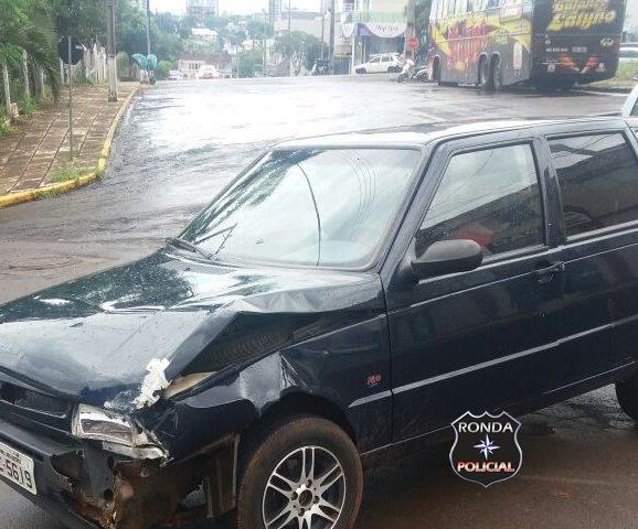 Danos materiais são registrados em acidente no centro de Xanxerê