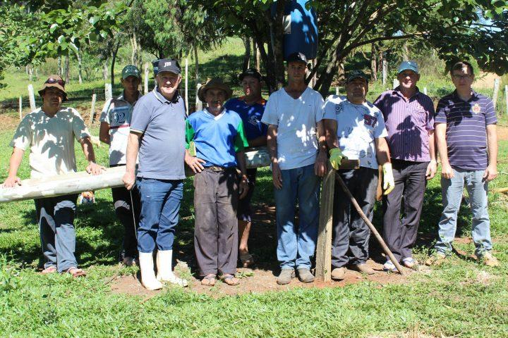 Agricultores aprendem a aumentar vida útil da madeira em curso realizado em Passos Maia