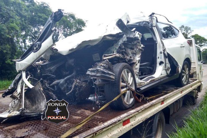 Na véspera de seu aniversário motorista morre em grave acidente na 282