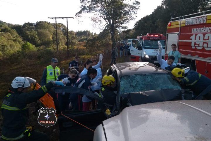 Quatro pessoas ficam feridas em violenta colisão registrada durante a manhã