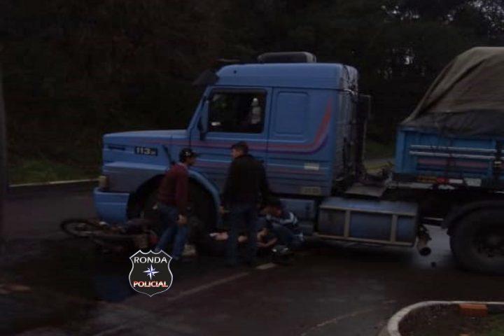 Colisão entre moto e carreta é registrada na BR-282
