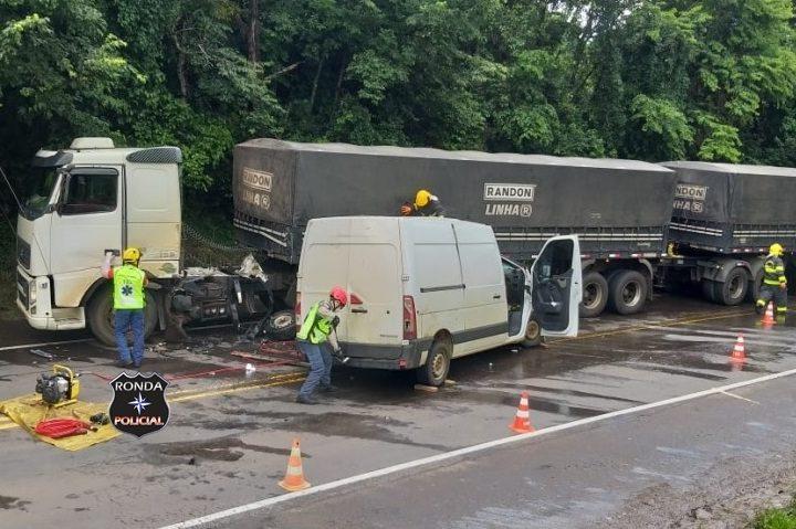 Motorista morre em grave acidente na BR-282