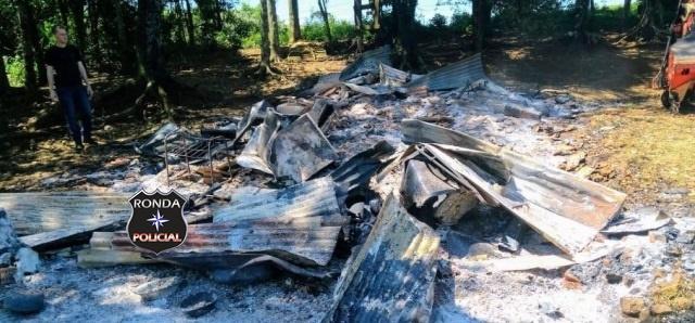 Morador morre carbonizado durante incêndio em residência
